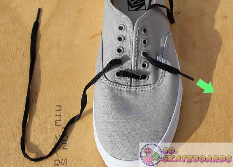 how to lace vans with 5 holes step 3