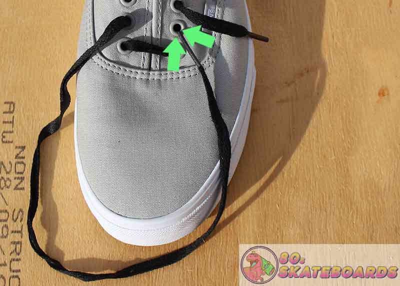 how to lace vans with 5 holes step 4